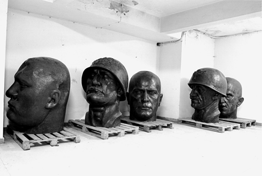 Le Teste in Oggetto (The Heads in Question), 2009